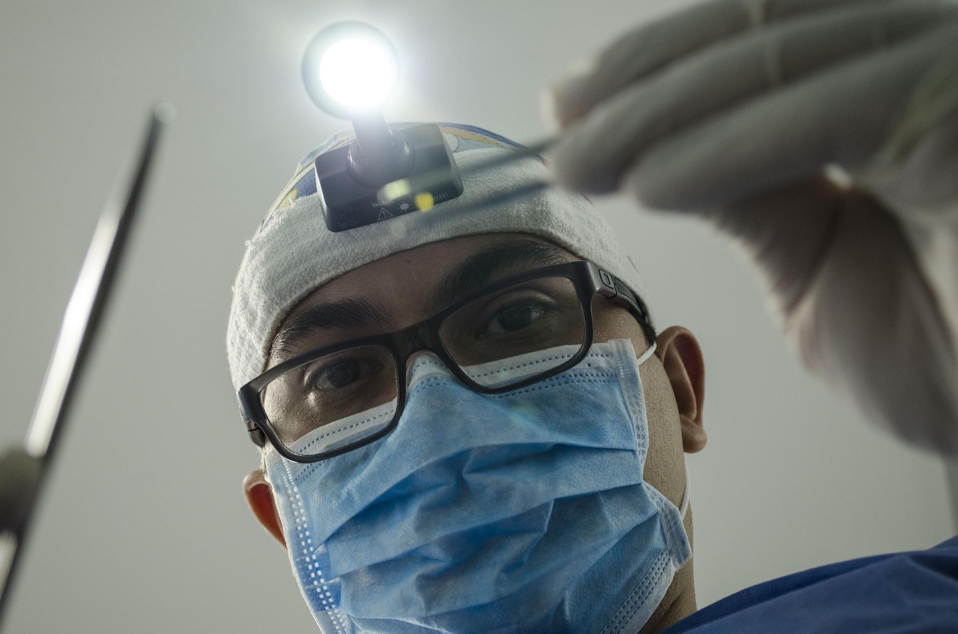 5 especializações em odontologia que estão em alta